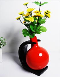 红色陶瓷工艺品